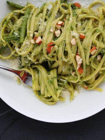 Basil-Pesto Almond